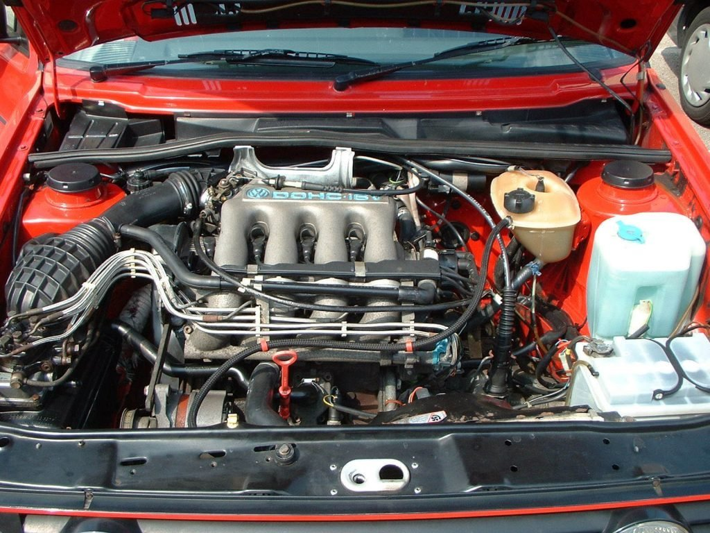 Фото двигатель VW Golf V 1.6