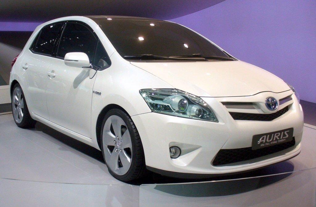 Фото Toyota Auris HSD Hybrid