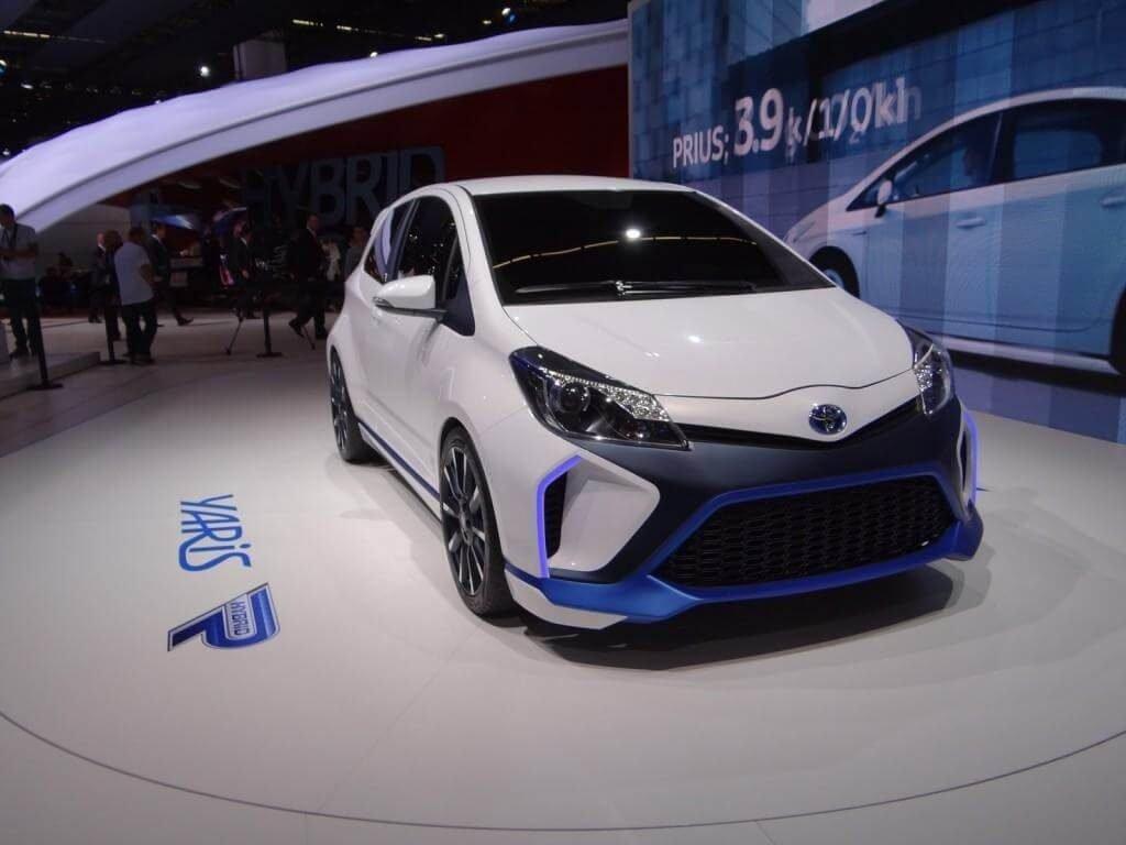 Фото Toyota Yaris Hybrid R Concept