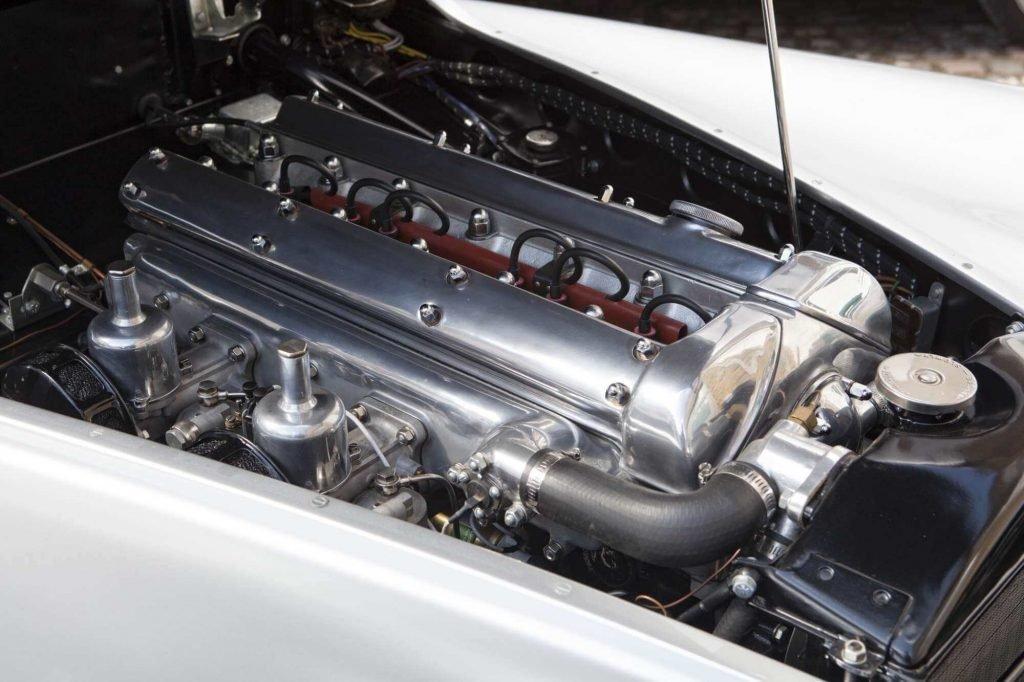 Фото двигателя Jaguar XK120