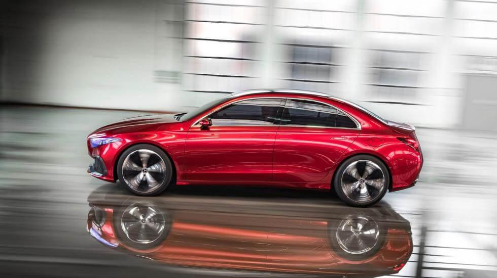 """Изображение концепт-кара """"Concept A Sedan"""", который привезла с собою на Шанхайскую автовыставку компании Mercedes-Benz."""