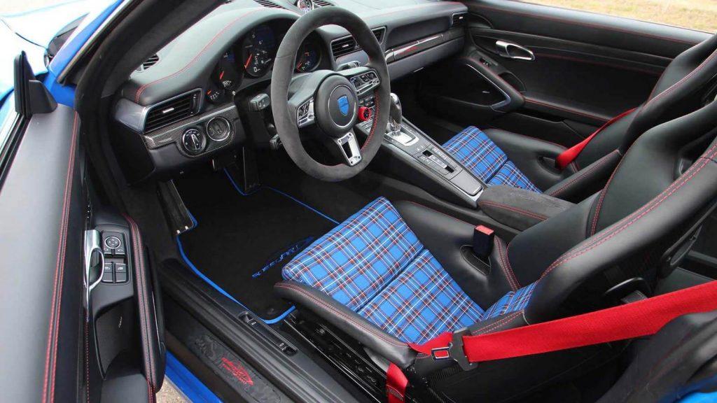 Салон Porsche 911 Carrera S Coupe