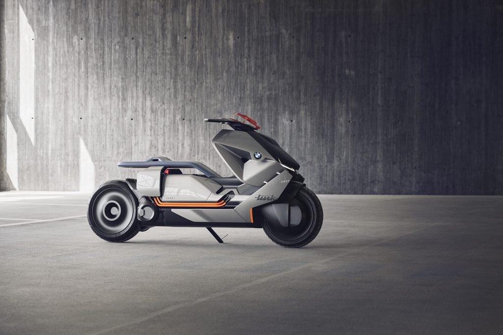 На фото: BMW Link
