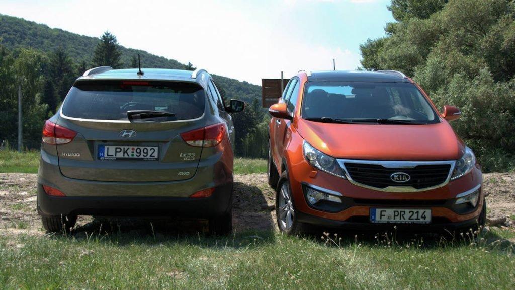 На фото: Hyundai ix35 и Kia Sportage