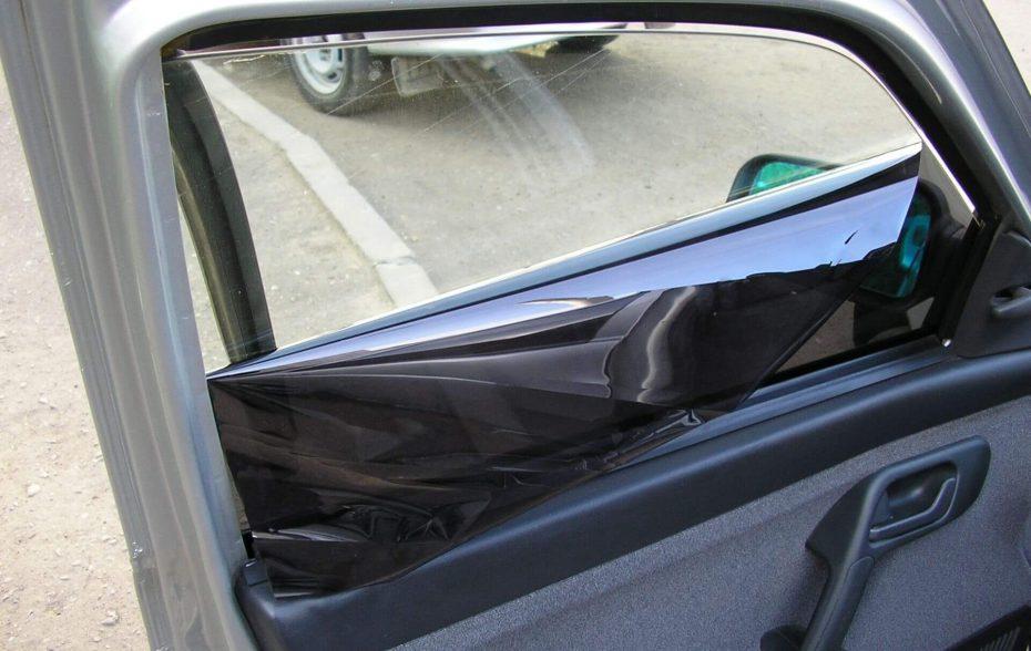 Как снять старую тонировку со стекла автомобиля?