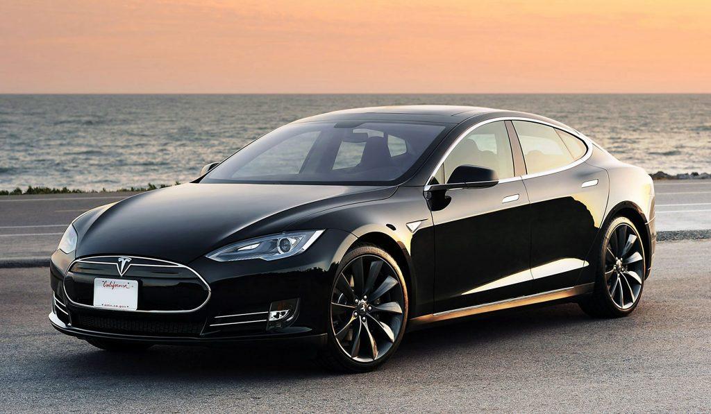 Пока что пальму первенства наиболее быстрых авто в линейке Telsa занимает Model S