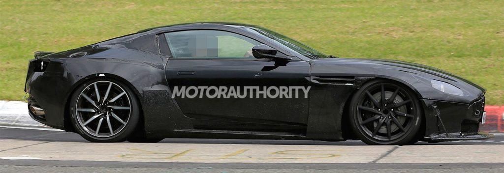 Aston Martin Vantage призвана полностью заменить модели Vanquish на модельном сегменте бренда.