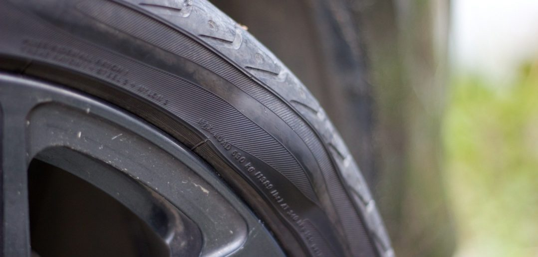 Грыжа на колесе - опасно или можно ездить?