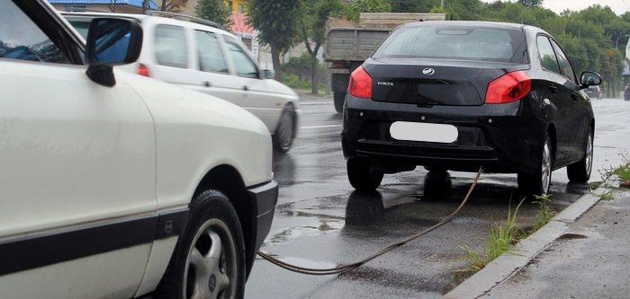Прежде чем буксировать машину на автомате, следует обратить внимания на инструкцию автомобиля.