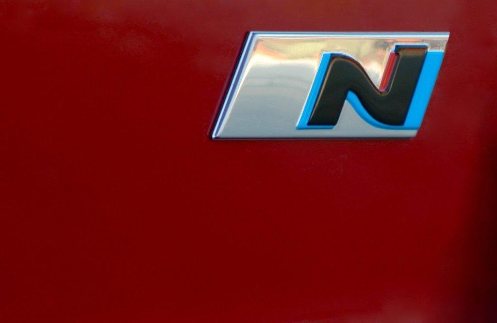 Лого подразделения N на кузове автомобилей Hyundai