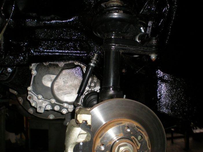 Очень важно, при нанесении антикоррозийного покрытия не закрасить тормозную систему.