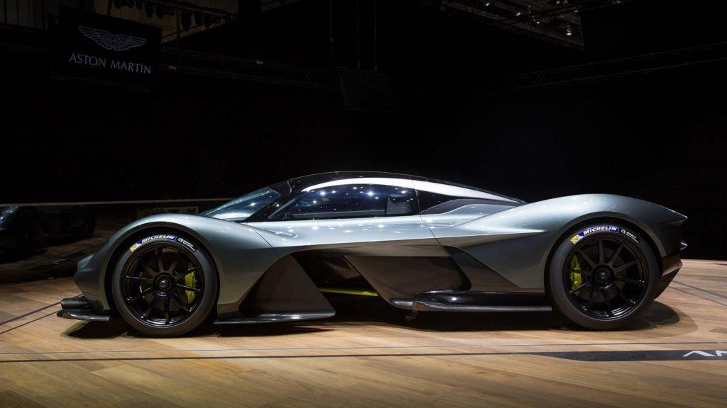 Представление финальной версии Aston Martin Valkyrie на Международном Женевском Автосалоне.