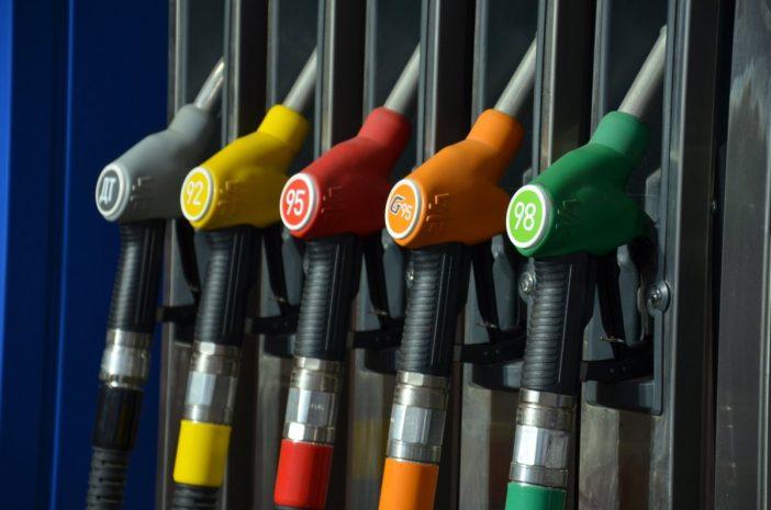Использование качественного очищенного бензина напрямую не влияет на расход, однако способствует его сохранению в норме.