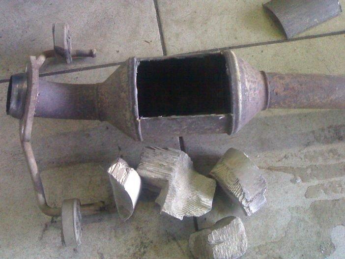 Удаление катализатора может проводится в домашних условиях или в автомастерской