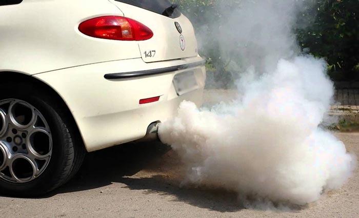 Почему идет белый дым из выхлопной трубы
