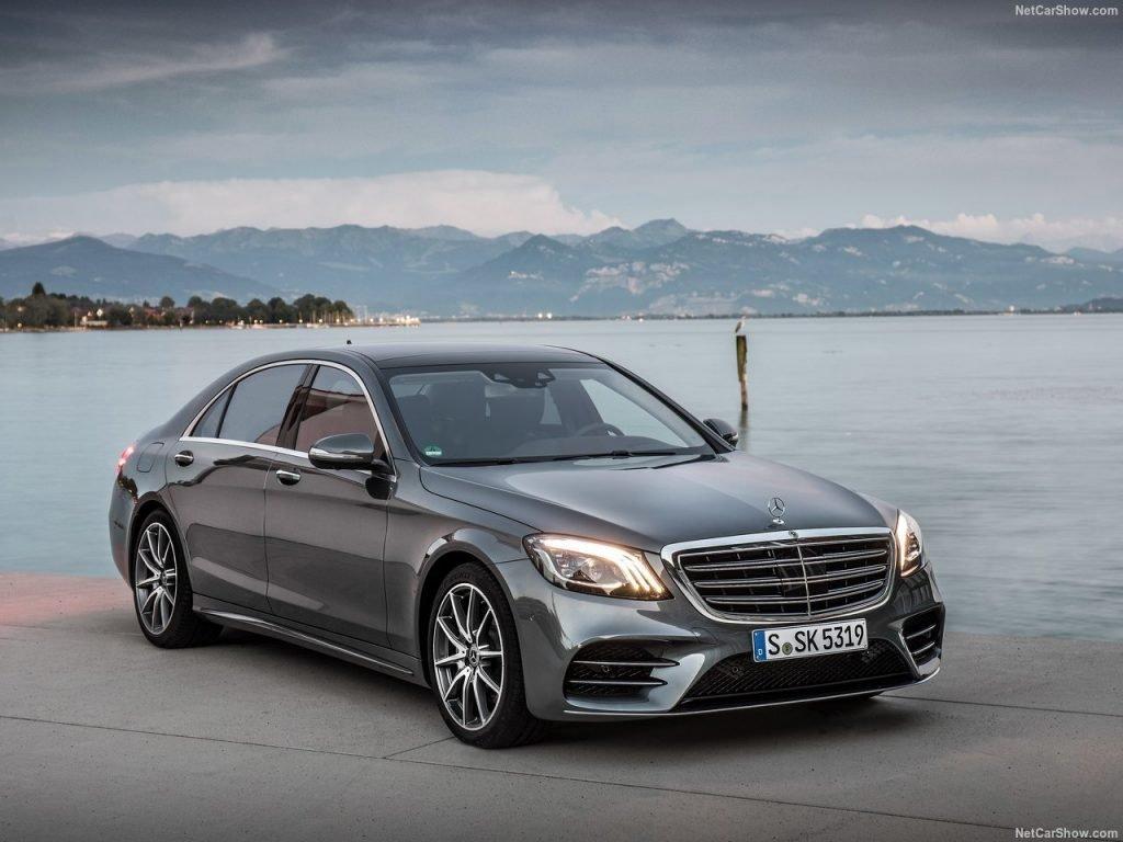 Обновление для Mercedes-Benz S-Class доступно как для базовых моделей, так и для удлиненных баз.
