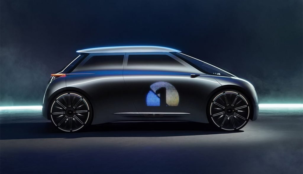 """Долгое время, дизайн концепт-кара MINI Cooper E тиражировался изданиями как """"Project MINI Vision NEXT 100"""". В рамках этого проекта, компания представила как будет выглядеть модельный ряд британского бренда в следующие 100 лет."""