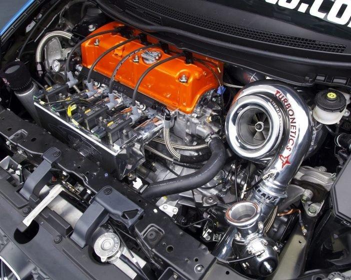 Системы с турбонадувом всё чаще появляются в сборках современных автомобилей, позволяя добиваться максимальных значений в выдаваемой мощности не прибегая к увеличению объема двигателя.
