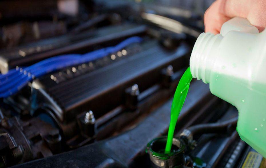 Когда менять антифриз (охлаждающую жидкость) в автомобиле?