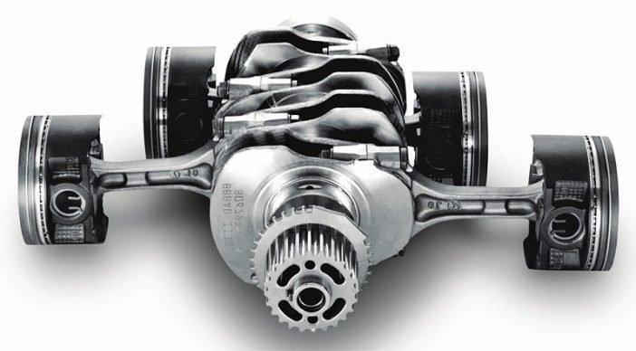 Оппозитный двигатель, имеет лучший баланс в конструкции и позволяет сместить центр тяжести транспортного средства