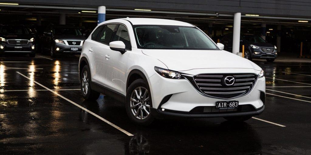 На изображении кроссовер Mazda CX-9, который успешно дебютировал в Киеве в конце прошлого месяца. Сейчас начался активный прием заявок на приобретение авто, владельцы которых смогут пересесть в новый семиместный салон уже до конца этого года.