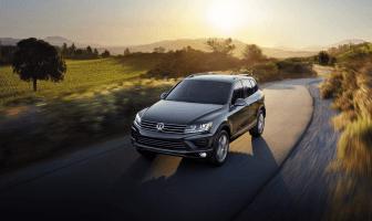Кроссоверное наступление Volkswagen: T-Roc, Tharu и Touareg Wolfsburg Edition