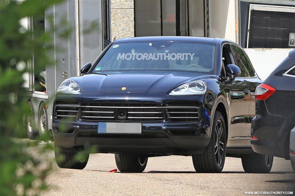 """Фотографии нового """"Каен"""" активно тиражируются передовыми автомобильными новостными агентствами, начиная с начала текущего года."""