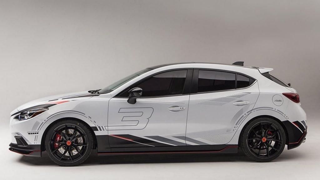 """Предположительный концепт нового поколения модели Mazda 3 (которая поступит на рынок с приставкой """"Axela""""), сначала носил название """"Mazda Concept Hot Road"""", чем вводил всех в заблуждение долгое время."""