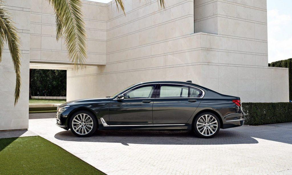 """Ателье G-Power уже давно плотно сотрудничает с концерном BMW AG. Как результат, мастера тюнинга первыми получают серийные модели, с которыми позже проводят свое """"колдовство""""."""