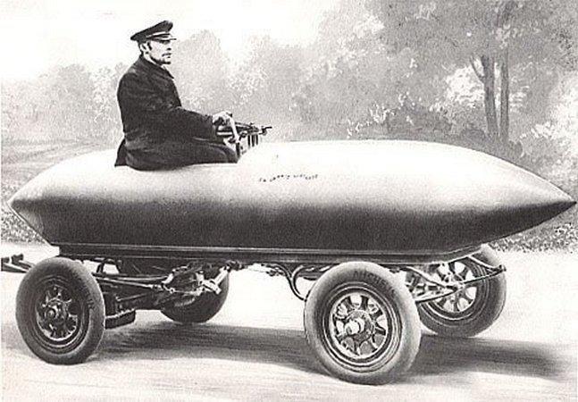 Первый электромобиль - La Jamais Contente, 1899 г.