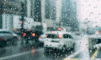 Антидождь в автомобиле. Плюсы и минусы